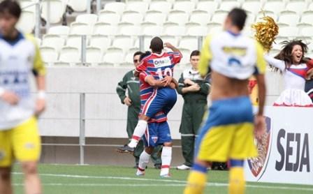 Edinho marcou o gol do jogo (Foto: Gabriel Gonçalves/O POVO)