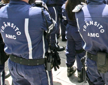 O caso aconteceu no Centro. Um motorista disse na DP ter pago R$ 40,00 aos agentes para não ser multado por estacionamento irregular (FOTO: VIVIANE PINHEIRO/DIÁRIO DO NORDESTE)