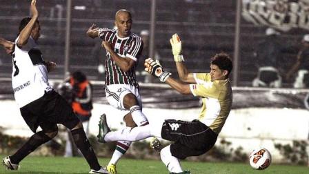 Leandro Euzébio desperdiça grande chance no início da partida (Foto: Nelson Perez / Fluminense. F.C.)