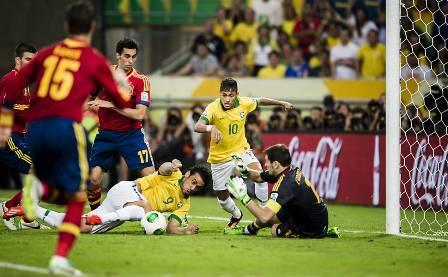 Brasil conquistou a Copa das Confederações na noite deste domingo (Foto: Adriano Vizoni/Folhapress)