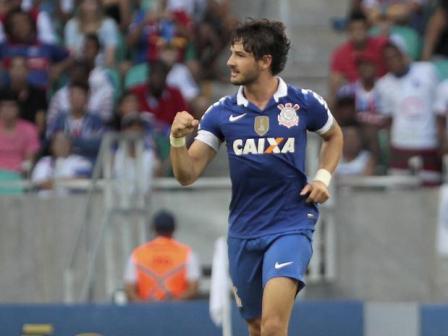 Após dois gols contra o Flamengo, atacante do Timão é convocado no dia que completa 24 anos (Foto: Eduardo Martins/ A Tarde / Futura Press)