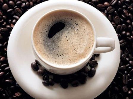 O estudo mostrou que os consumidores regulares de café têm melhor atividade antioxidante no organismo e melhor desempenho em exercícios físicos. (Foto: Google Images)