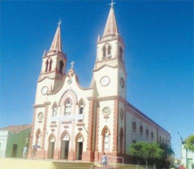 A paróquia de São Vicente Ferrer é umas das mais antigas da região. A partir dela surgiram outras, em cidades vizinhas ao município, difundindo a devoção (Foto: Diário do Nordeste)
