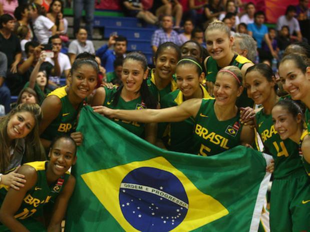 Brasil tinha corrido risco de ficar fora do Mundial, após derrota para Cuba (Foto: FIBA / Divulgação)