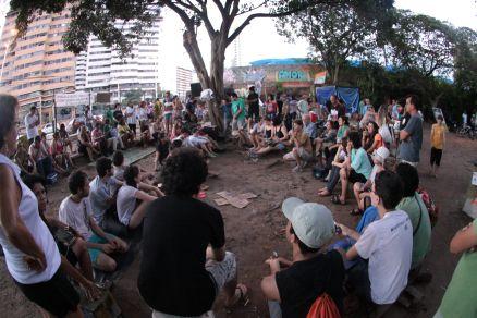 Ocupação do trecho em litígio já dura mais de dois meses (Foto: Ethi Arcanjo/O POVO)