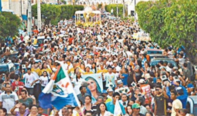 Cerca de 400 mil pessoas visitaram Juazeiro no período (Foto: Elizangela Santos)