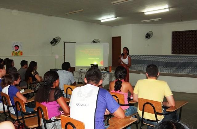 Alunos da Fecli durante palestra (Foto: Iguatu.Net)