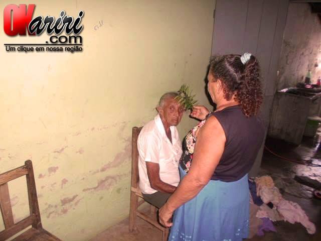 Dona Bido mantêm a tradição há mais de três décadas (Foto: Klébio Leite/Agência OKariri)
