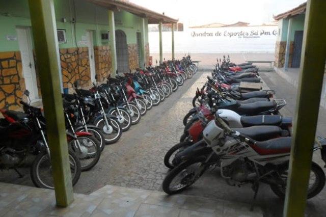 36 motocicletas foram apreendidas (Foto: Agência Miséria)