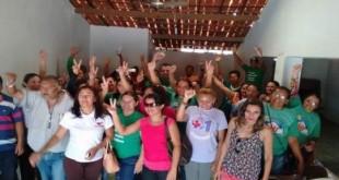Abaiara-CE: Funcionários públicos fazem protesto de reivindicação e frente a prefeitura