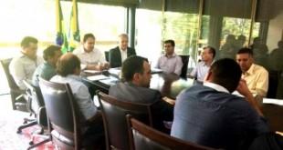 Barro-CE: Prefeito Neneca e mais 10 debatem investimentos Camilo e André Figueiredo
