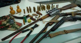 Aurora-CE: Policia apreende arma e equipamentos que possivelmente fossem usadas para caça ilegal