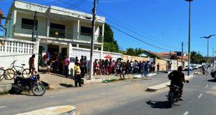 Milagres-CE: Eleitores deixam para ultima hora e enfrentam fila para regularizar títulos
