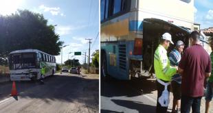 Ônibus se envolvem em colisão na saída da cidade de Milagres / Agência OKariri)