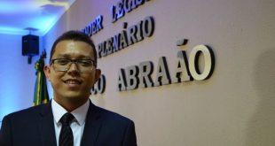 Ubelardo é eleito pelo segundo biênio consecutivo presidente da Câmara Legislativa de Milagres| Foto: Ava Campos