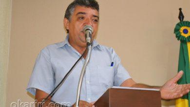 Valdir Medeiros presidente do SIATRANS, fazendo uso da tribuna da Câmara de Vereadores de Milagres | Foto: OKariri